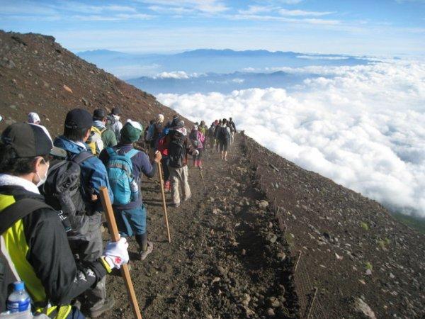富士登山のバスツアーイメージ